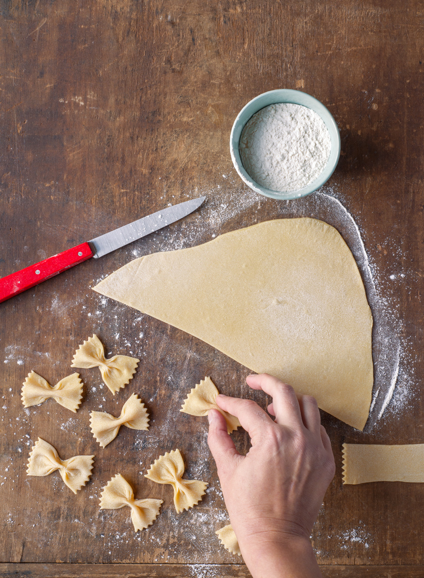 farfalle making