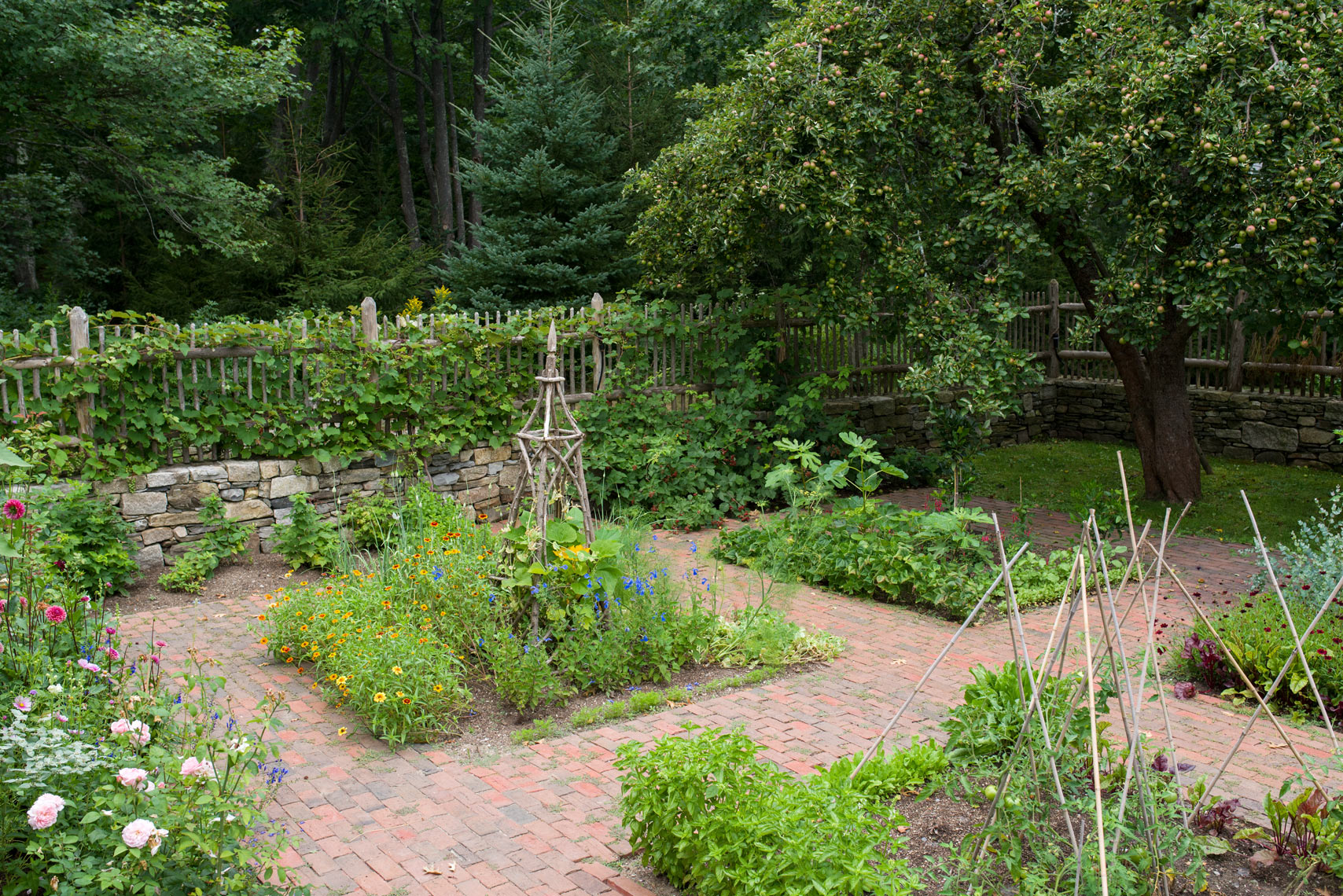 Kennebunkport garden