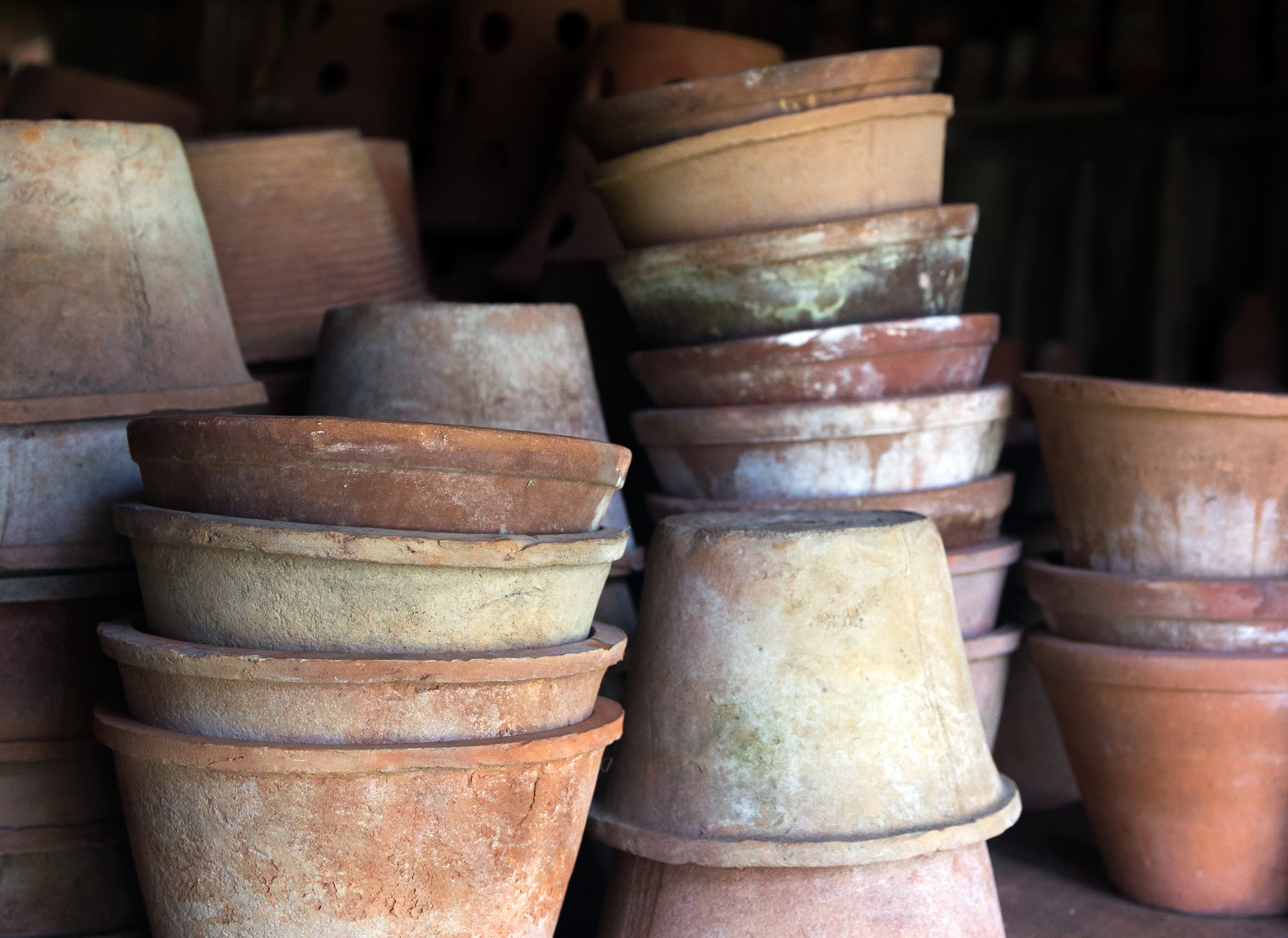 snug harbor farm clay pots