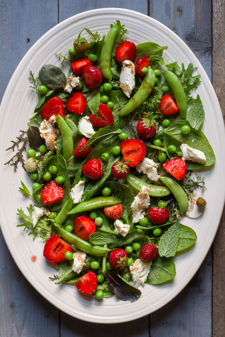 strawberry pea salad